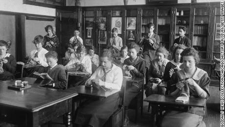 What happened here when students went to school during the 1918 epidemic