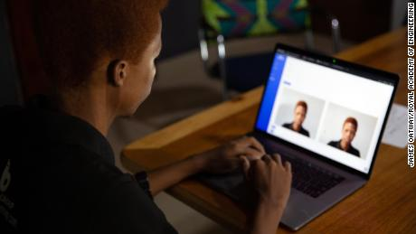 BACE API จับคู่ภาพถ่ายสดของผู้ใช้กับรูปภาพในเอกสารทางการเพื่อยืนยันตัวตน