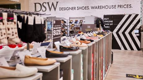 DSW shops in Hy-Vee grocery stores will carry 3,000 to 4,000 pairs of shoes.