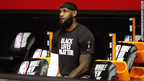 เจมส์เป็นหนึ่งในเสียงหลักใน NBA ที่พูดถึงความยุติธรรมในสังคม
