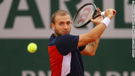 Evans played backhand during the defeat to Kei Nishikori at the French Open.