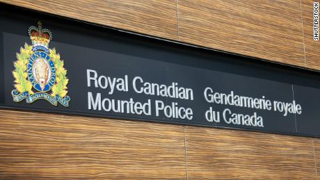 Canadian police failed to issue timely public alert about Nova Scotia gunman