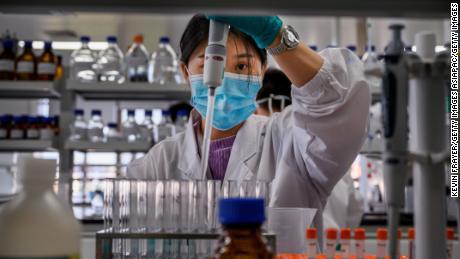 จีนกำลังเพิ่มขึ้นสองเท่าในการผลักดันวัคซีนป้องกันไวรัสโคโรนาทั่วโลก