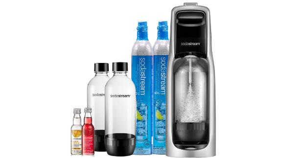 SodaStream Jet Sparkling Water Maker, Bundle