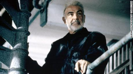 Sean Connery เป็นภาพใน & quot; The Rock & quot;  ในปี 2539