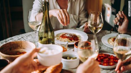 How to (safely) meet and eat with friends this winter, unmasked