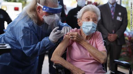 Fire under CVS and Volgren for slow vaccination in nursing homes