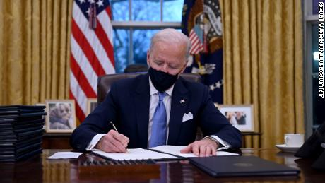 Biden reveals Kovid-19's plan, which is not politics & # 39;  As he signs the new initiative