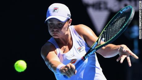 Barty bounced back against Mustova.