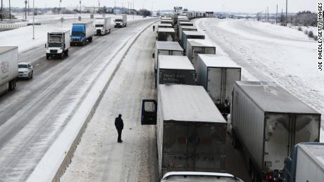 Vehicles are at a standstill southbound on Interstate Highway 35 on February 18 in Killeen, Texas.
