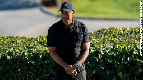 In the days leading up to his accident, Tiger Woods had been teaching golf to movie and sports stars.