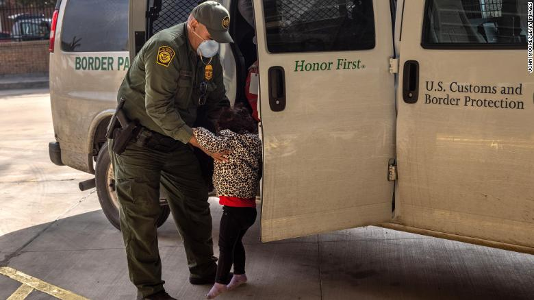 More than 4,000 unaccompanied migrant children in Border Patrol custody