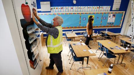 Los Angeles teachers union approves plan to reopen public schools in April