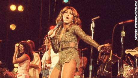 Tina Turner (center) performs in the 1970s, as shown in the HBO documentary & quot;  TAN & quot;