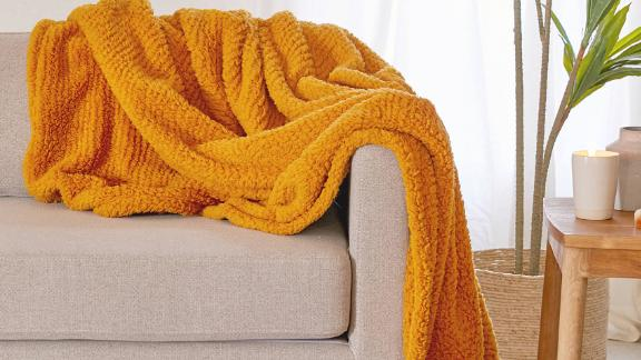 Amped Fleece Throw Blanket