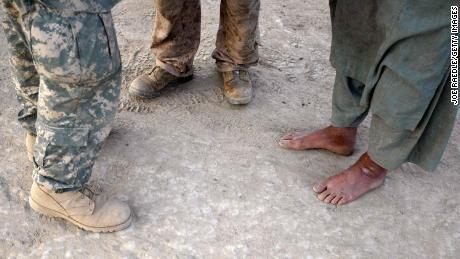 & # 39؛ میں راتوں تک رہتا ہوں & # 39 ؛: امریکہ کے لئے کام کرنے والے افغان بایڈن کی واپسی کے اعلان کے بعد اپنے مستقبل کے بارے میں فکر مند ہیں