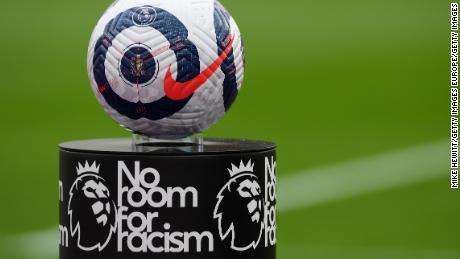 210425125929 no room for racism large 169 - ฟุตบอลอังกฤษถูกตั้งค่าให้คว่ำบาตรโซเชียลมีเดียจากการละเมิดชนชั้นอย่างต่อเนื่องทางออนไลน์ ข่าวต่างประเทศแปลไทย