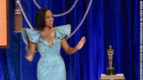 Regina King presents the Oscar for original screenplay. (Photo by Todd Wawrychuk/A.M.P.A.S. via Getty Images)