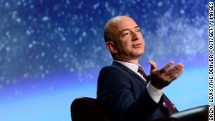 Battaglia dei miliardari: Jeff Bezos ' La compagnia missilistica protesta contro l'ultimo contratto NASA di SpaceX
