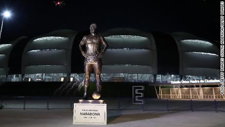 A 16-foot, 5-inch tall statue of soccer legend Diego Maradona was unveiled at the Estadio Unico Madre de Ciudades.
