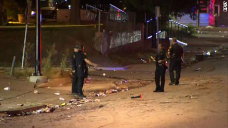 8 people shot near Texas car wash after argument