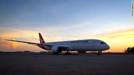 Qantas repatriation flight sets aviation record