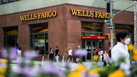 Watch Shares soar as America's largest banks are booming  – CNN Business News