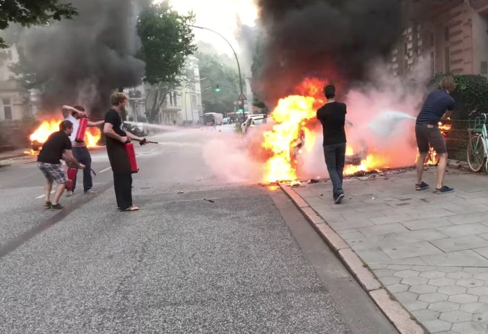 2017-07-07T114435Z 887996203 RC1F94B52200 RTRMADP 3 G20-GERMANY-PROTEST