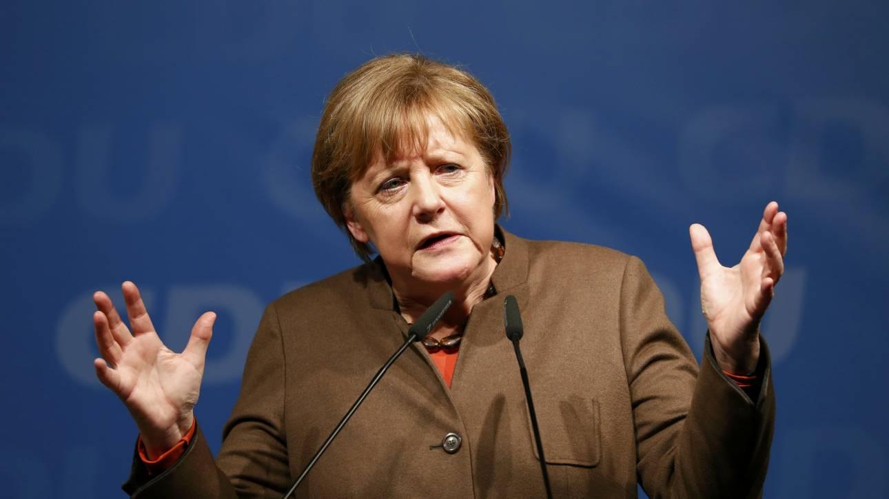 Μέρκελ: Το ευρώ κινδυνεύει εάν η Ευρώπη χωριστεί στο προσφυγικό