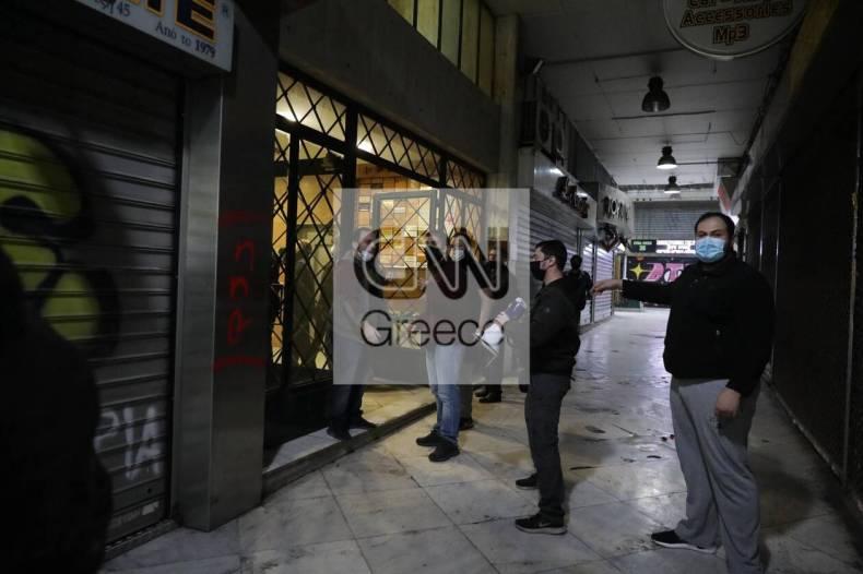 https://cdn.cnngreece.gr/media/news/2020/12/07/245872/photos/snapshot/astynomia---stoa.jpg