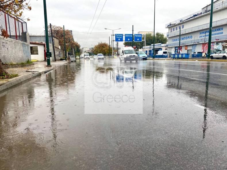 https://cdn.cnngreece.gr/media/news/2020/12/07/245881/photos/snapshot/vroxi-dromoi-6.jpg