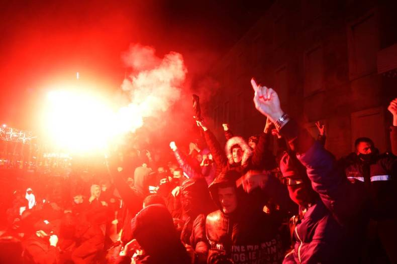https://cdn.cnngreece.gr/media/news/2020/12/09/246256/photos/snapshot/ALBANIA-PROTEST-1.jpg