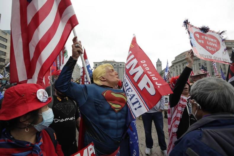 https://cdn.cnngreece.gr/media/news/2020/12/13/246669/photos/snapshot/hpa_diadiloseis_trump-7.jpg