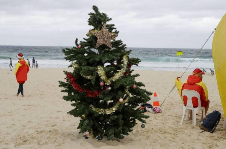https://cdn.cnngreece.gr/media/news/2020/12/25/248166/photos/snapshot/bondai_australia-6.jpg