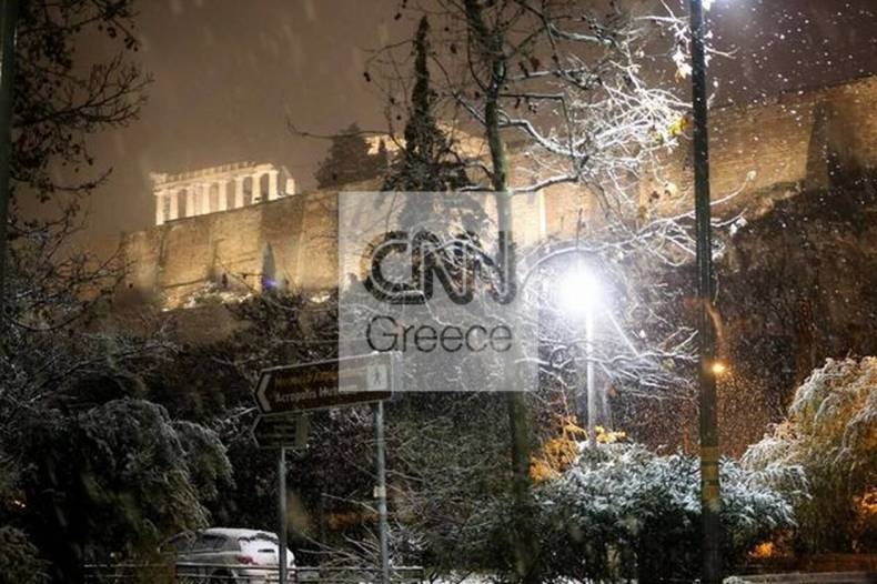 https://cdn.cnngreece.gr/media/news/2021/02/16/254692/photos/snapshot/athina-hionia-804447490140023_276636048884227005_n.jpg