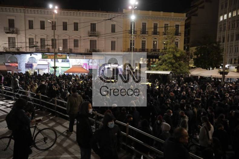 https://cdn.cnngreece.gr/media/news/2021/03/02/256584/photos/snapshot/koufontinas-syntagma-6.jpg