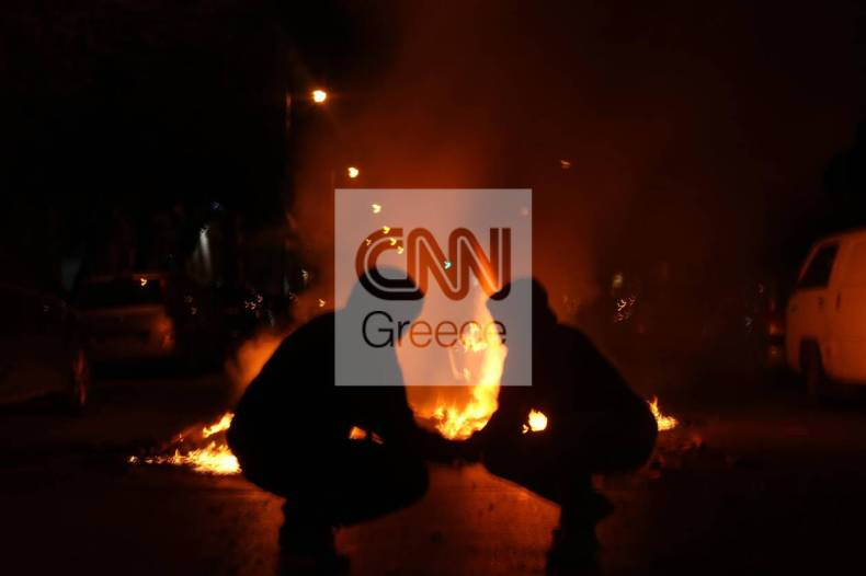 https://cdn.cnngreece.gr/media/news/2021/03/09/257580/photos/snapshot/epeisodia-f.jpg
