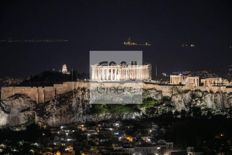 https://cdn.cnngreece.gr/media/news/2021/03/27/259847/photos/snapshot/akropoli2.jpg
