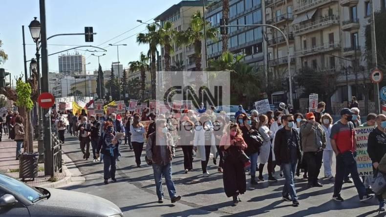 https://cdn.cnngreece.gr/media/news/2021/04/22/263103/photos/snapshot/60812b8183a74.jpg