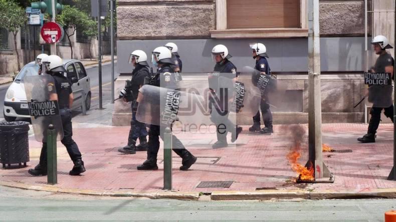 https://cdn.cnngreece.gr/media/news/2021/05/06/264766/photos/snapshot/Molotov1.jpg