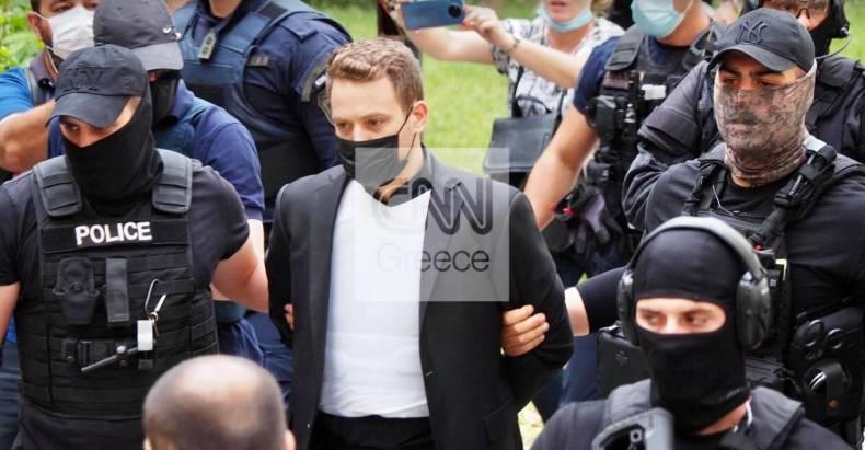 https://cdn.cnngreece.gr/media/news/2021/06/18/270684/photos/snapshot/ppilotos2.jpg