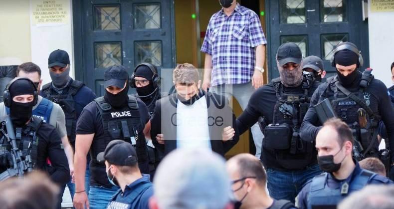 https://cdn.cnngreece.gr/media/news/2021/06/19/270749/photos/snapshot/pilotos5.jpg