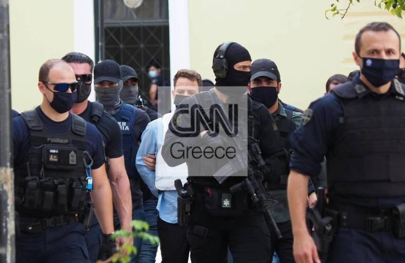 https://cdn.cnngreece.gr/media/news/2021/06/22/271081/photos/snapshot/glyka-nera---syzigoktonos-2.jpg