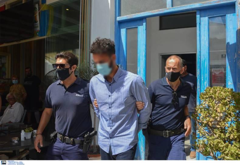 https://cdn.cnngreece.gr/media/news/2021/07/20/274833/photos/snapshot/folegandros-10.jpg