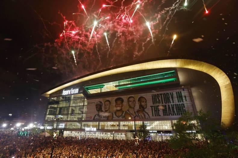 https://cdn.cnngreece.gr/media/news/2021/07/21/274915/photos/snapshot/MPAKS-NBA-TELIKOS-2.jpg