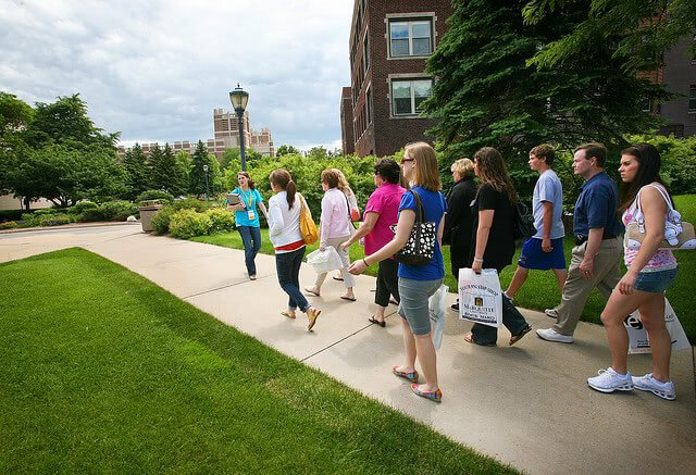 Top 10 Questions to Ask On a College Tour