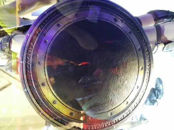 batman-v-superman-wonder-woman-shield-image