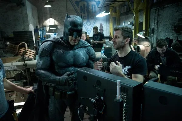 ben-affleck-zack-snyder-batman-v-superman-dawn-of-justice-image