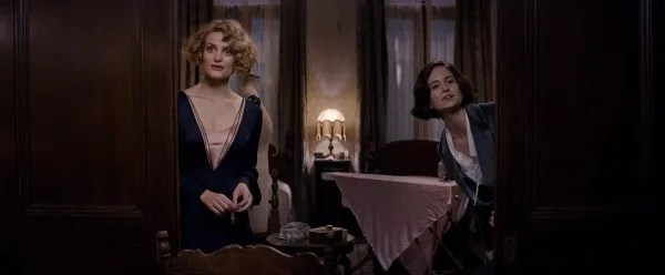 fantastic-beasts-and-where-to-find-them-katherine-waterston-alison-sudol