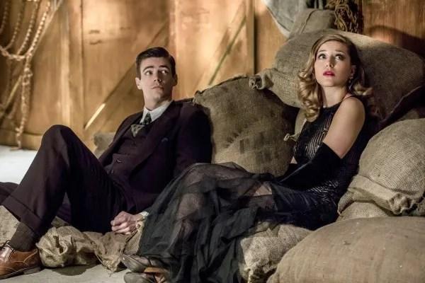 the-flash-musical-episode-duet-grant-gustin-melissa-benoist